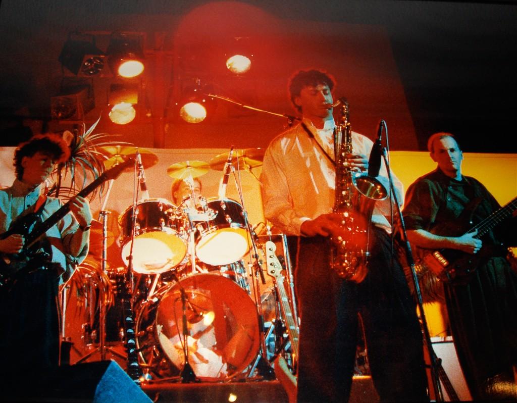 Eden en live 1987. Le Uzeb Français !